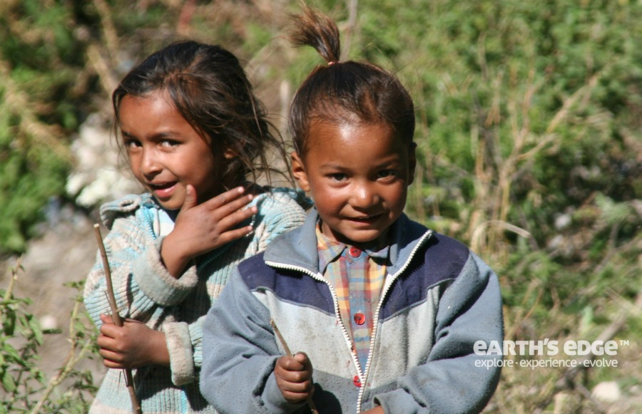 Himalayas Trek - Local kids from Tapovan