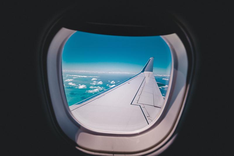 airplane-2588202_1920